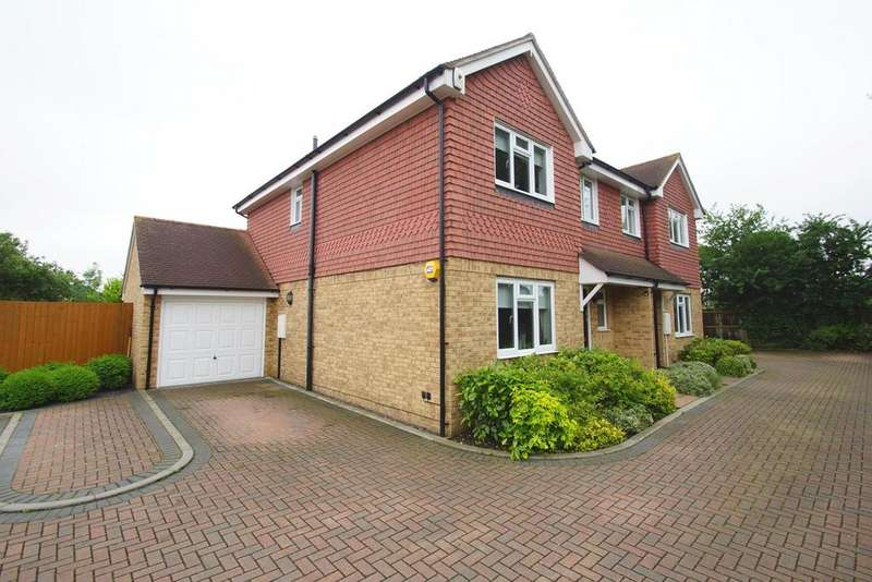 3 Bedrooms Semi Detached House for sale in Old Farm Avenue, Sidcup, Kent, DA15