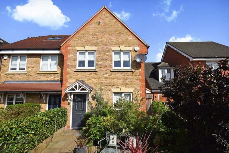 3 Bedrooms End Of Terrace House for sale in Woodbury Close, Maidenhead, SL6
