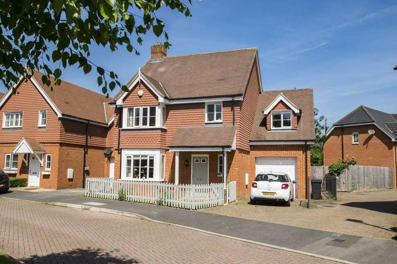 4 Bedrooms Detached House for sale in Lowbury Gardens, Compton, Newbury, RG20