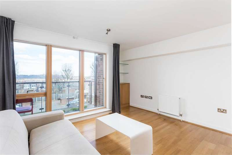 1 Bedroom Flat for sale in Dickenson Road, Crouch End, London, N8