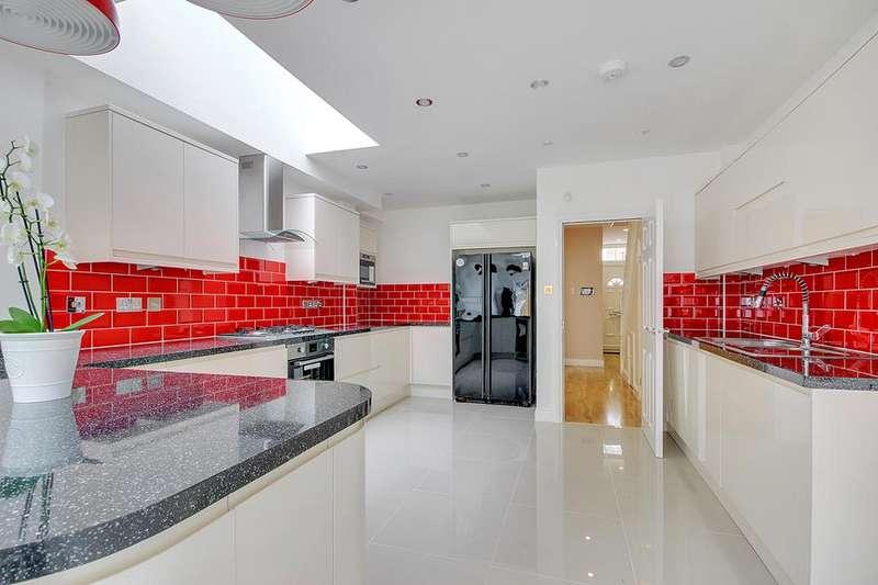 5 Bedrooms Property for sale in Lyndhurst Road, Edmonton, London, N18