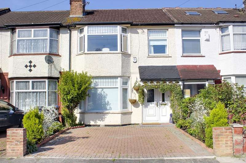 3 Bedrooms Property for sale in Ulster Gardens, Palmers Green, London, N13