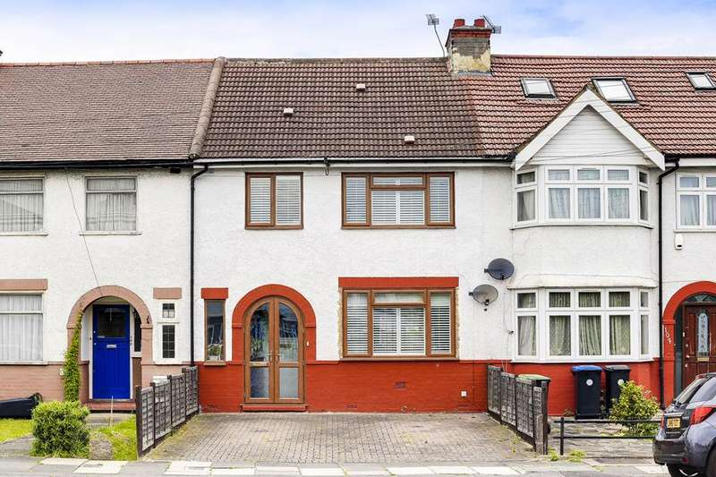 4 Bedrooms Property for sale in Munster Gardens, Palmers Green, London, N13