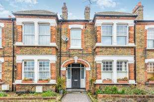 2 Bedrooms Flat for sale in Charlton Road, London, .