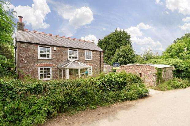 3 Bedrooms Detached House for sale in Botus Fleming, Saltash, Cornwall