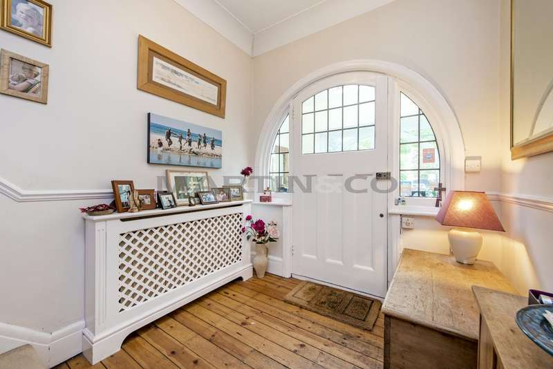 5 Bedrooms Semi Detached House for sale in Tennyson Avenue, Wanstead E11