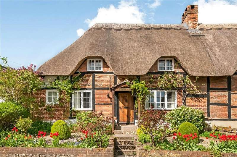 3 Bedrooms Semi Detached House for sale in Church Street, Micheldever, Winchester, Hampshire, SO21