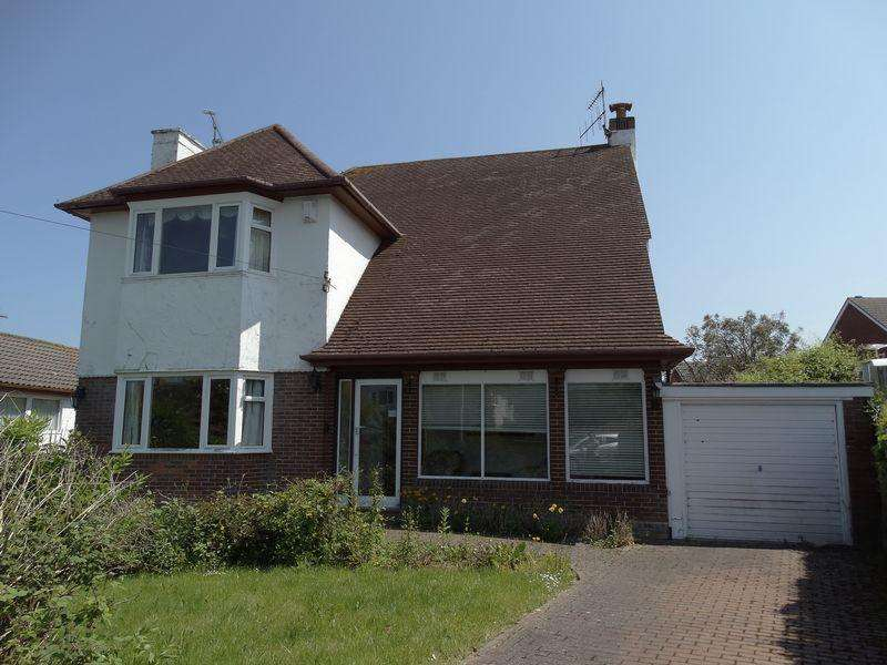 3 Bedrooms Detached House for sale in Bryn Avenue, Colwyn Bay