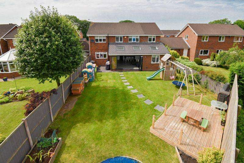4 Bedrooms Detached House for sale in Lamberts Lane, Congleton