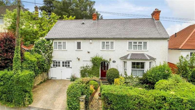 6 Bedrooms Detached House for sale in Berks Hill, Chorleywood
