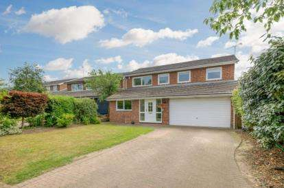 5 Bedrooms Detached House for sale in Church Road, Maulden, Bedford, Bedfordshire
