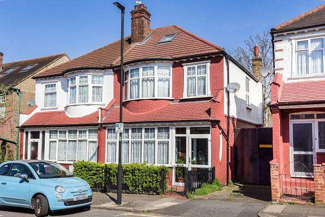 4 Bedrooms House for sale in Craignair Road, SW2