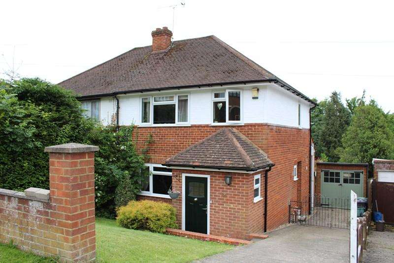 3 Bedrooms Semi Detached House for sale in Southfield Road, Downley, High Wycombe