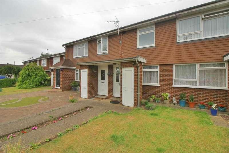 2 Bedrooms Maisonette Flat for sale in Perram Close, Broxbourne, Herts EN10