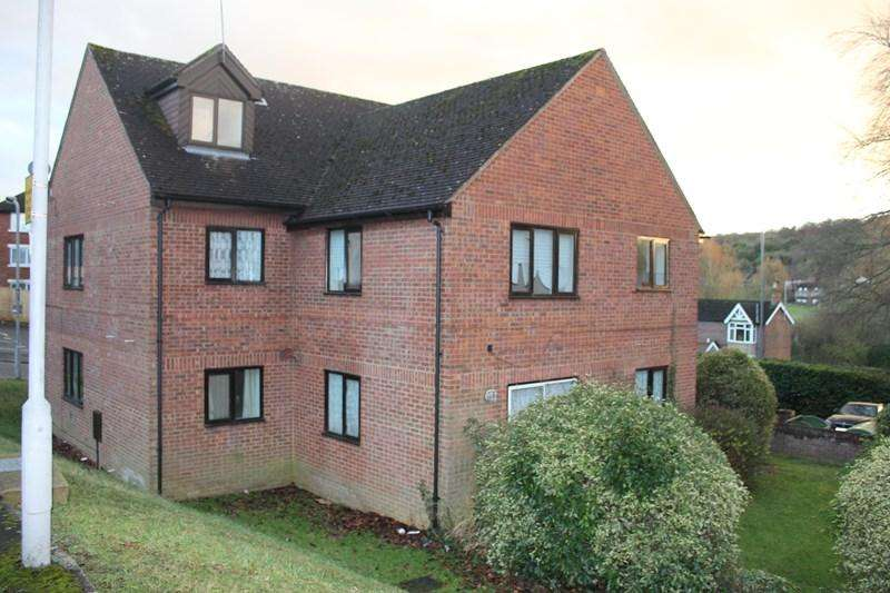 Studio Flat for sale in London Road, High Wycombe
