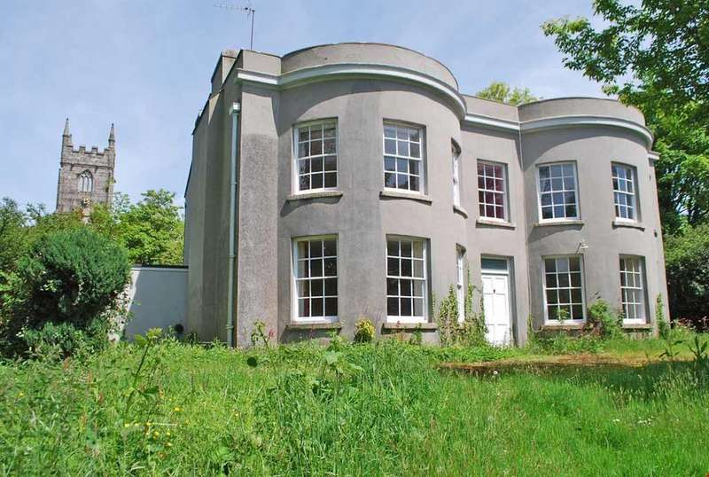 4 Bedrooms Detached House for sale in St Mellion, Nr. Saltash, East Cornwall, PL12