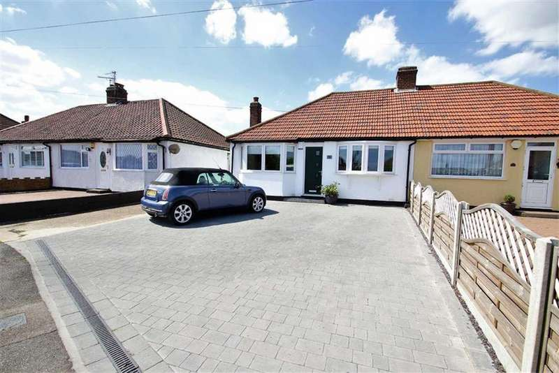 2 Bedrooms Semi Detached Bungalow for sale in The Quadrant, Bexleyheath