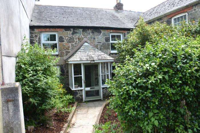 2 Bedrooms Cottage House for sale in DROP ANCHOR COTTAGE, CHURCHTOWN, MULLION, TR12