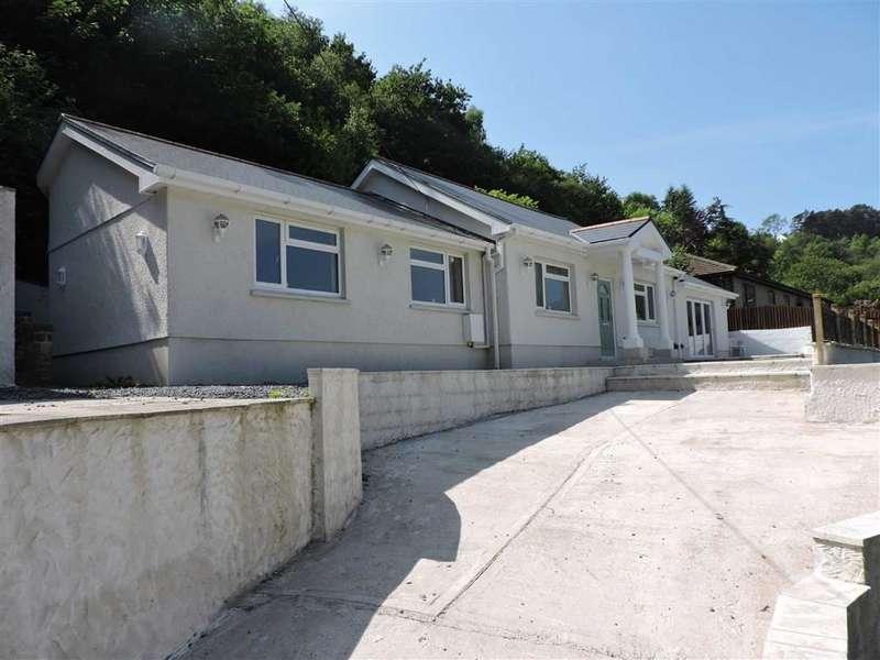 4 Bedrooms Detached Bungalow for sale in Clydach Road, Craig-Cefn-Parc