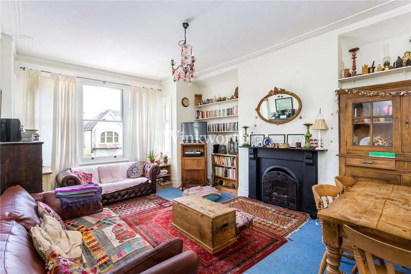 3 Bedrooms Flat for sale in Broomfield Avenue, London, N13