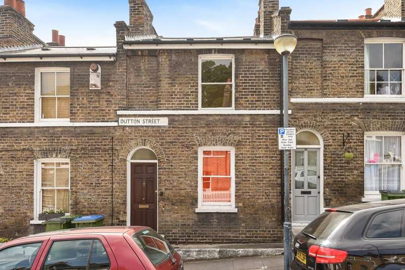 2 Bedrooms Terraced House for sale in Dutton Street London SE10