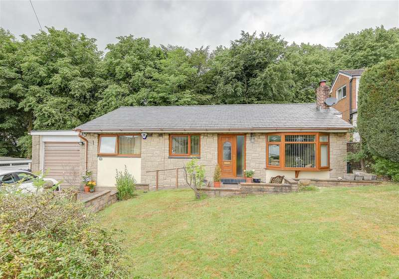 3 Bedrooms Detached Bungalow for sale in Heightside Avenue, Rawtenstall, Rossendale