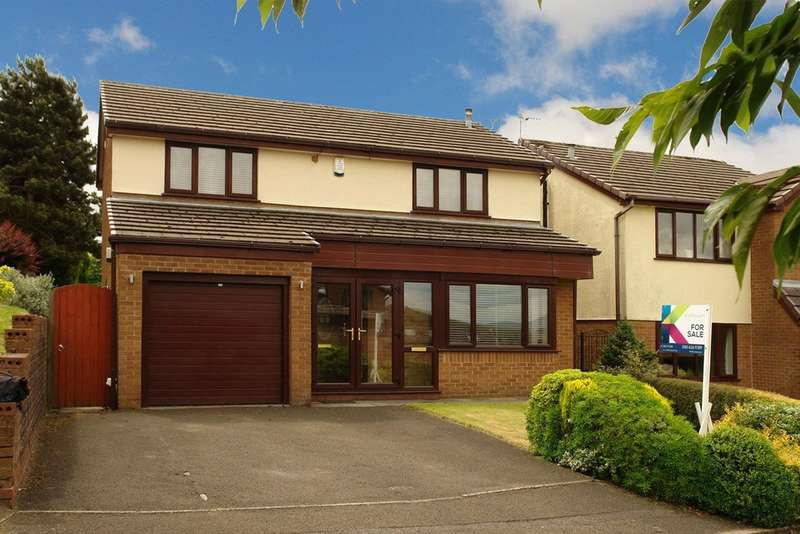 4 Bedrooms Detached House for sale in Castlemere Drive, Shaw, Oldham