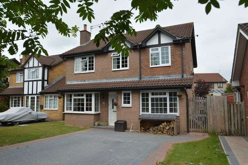 4 Bedrooms Property for sale in Horsecastle Farm Road, Yatton