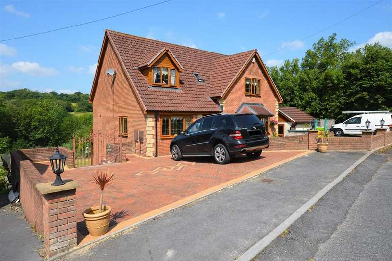 5 Bedrooms Detached House for sale in Clos Cae Felin, Llanelli