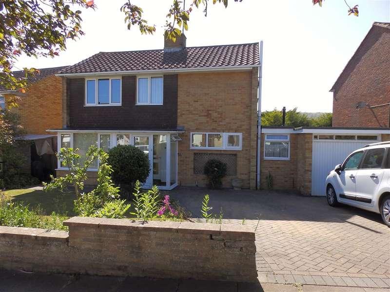 3 Bedrooms Detached House for sale in Glendale Avenue, Eastbourne