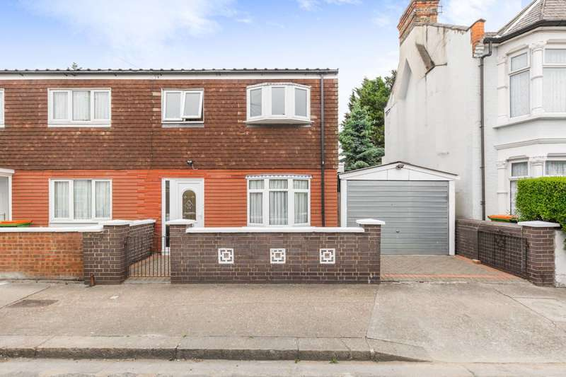 3 Bedrooms Semi Detached House for sale in Harcourt Avenue, Manor Park, E12