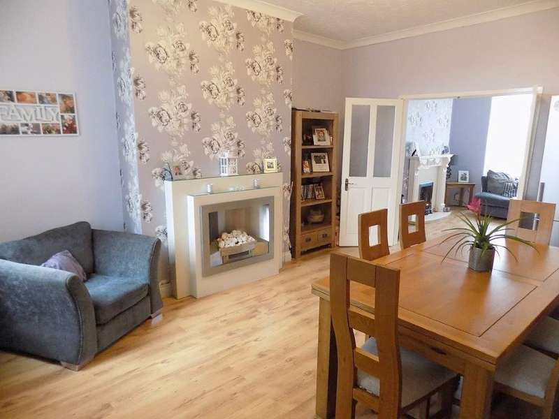 3 Bedrooms Terraced House for sale in St Helens Road, Bolton, BL3