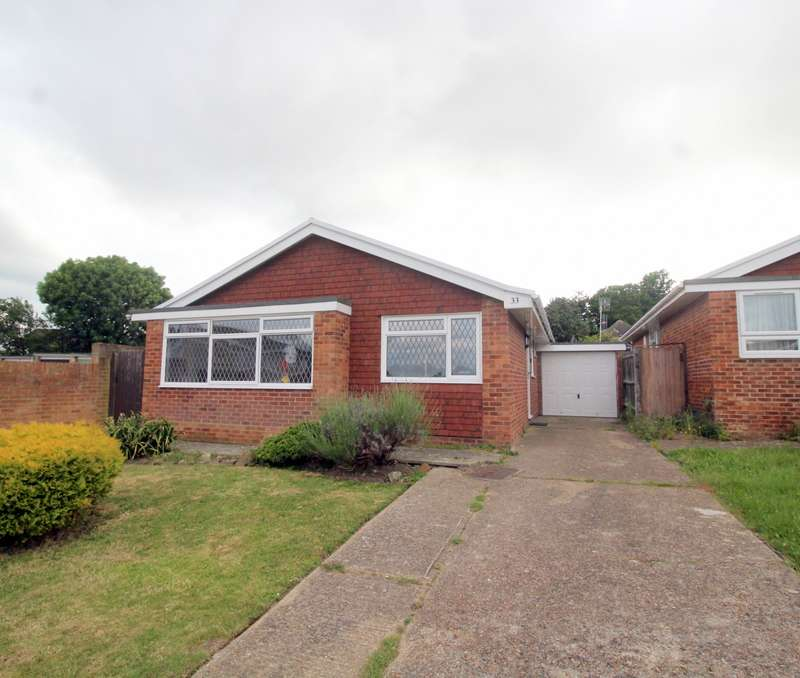 3 Bedrooms Detached Bungalow for sale in Pinewood Close, Eastbourne, BN22
