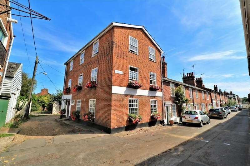 6 Bedrooms End Of Terrace House for sale in Alma Street, Wivenhoe, Colchester, Essex