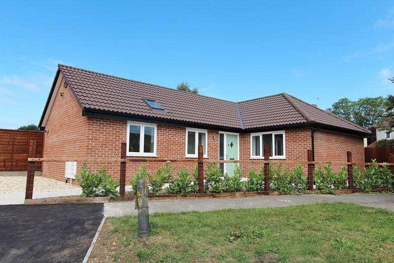 2 Bedrooms Detached Bungalow for sale in St. Margarets Close, Keynsham, Bristol