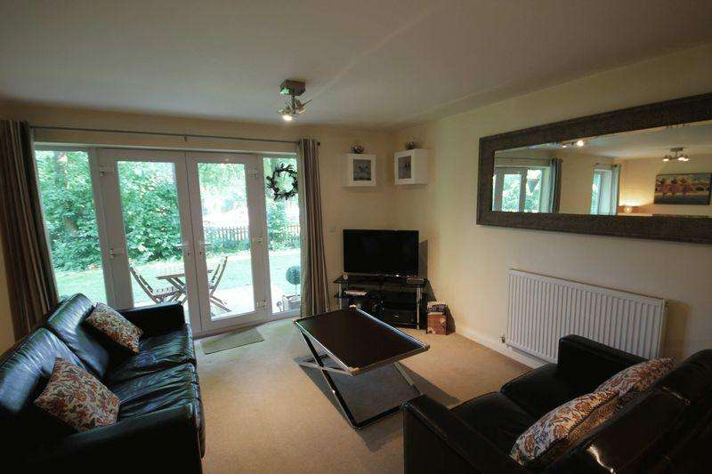 2 Bedrooms Apartment Flat for sale in PINEVIEW GARDENS, LITTLEOVER