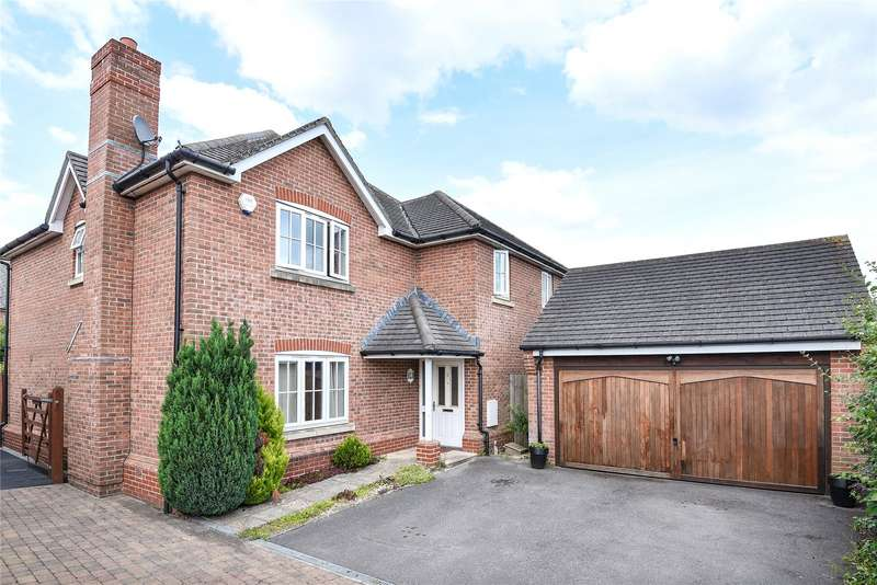 5 Bedrooms Detached House for sale in Monarch Drive, Shinfield, Reading, Berkshire, RG2