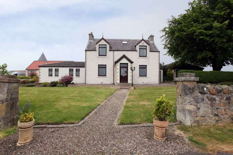 4 Bedrooms Detached Villa House for sale in Cockairnie, Aberdour, Burntisland, Fife, KY3 0RX