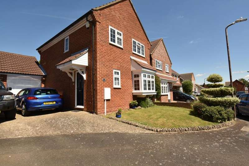 4 Bedrooms Detached House for sale in Dawson Drive Swanley BR8