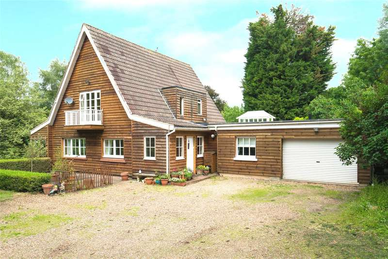 4 Bedrooms Detached House for sale in Hamlet Hill, Roydon, Harlow, Essex