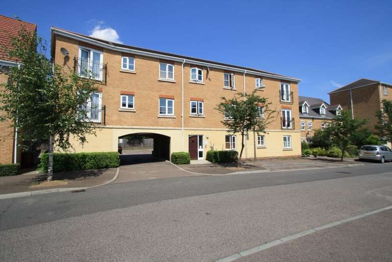 2 Bedrooms Flat for sale in Windermere Avenue, Purfleet