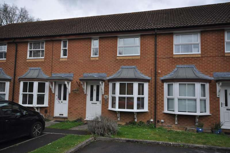 2 Bedrooms Terraced House for sale in Mannock Way, Woodley, Reading, RG5 4XW