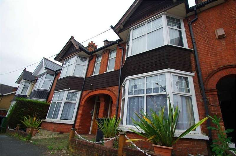 Terraced House for sale in Granville Road, WATFORD, Hertfordshire