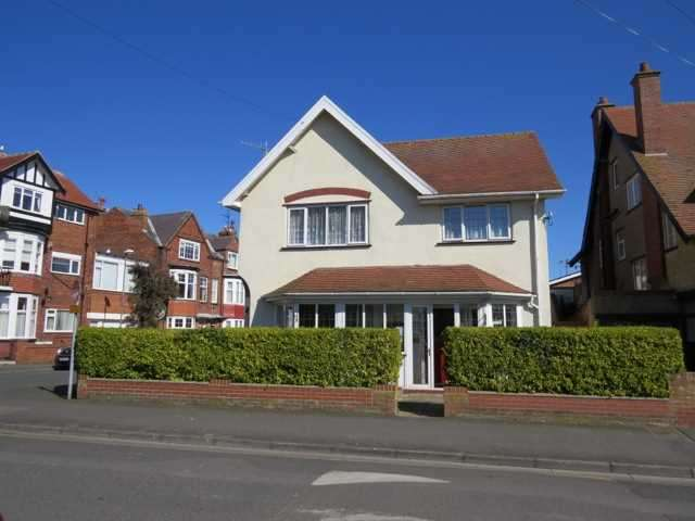6 Bedrooms Commercial Property for sale in TOWN CENTRE GUEST HOUSE, FILEY