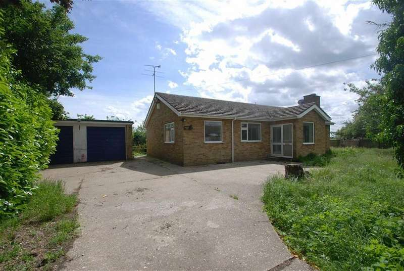 3 Bedrooms Detached Bungalow for sale in Main Road, New Bolingbroke, Boston