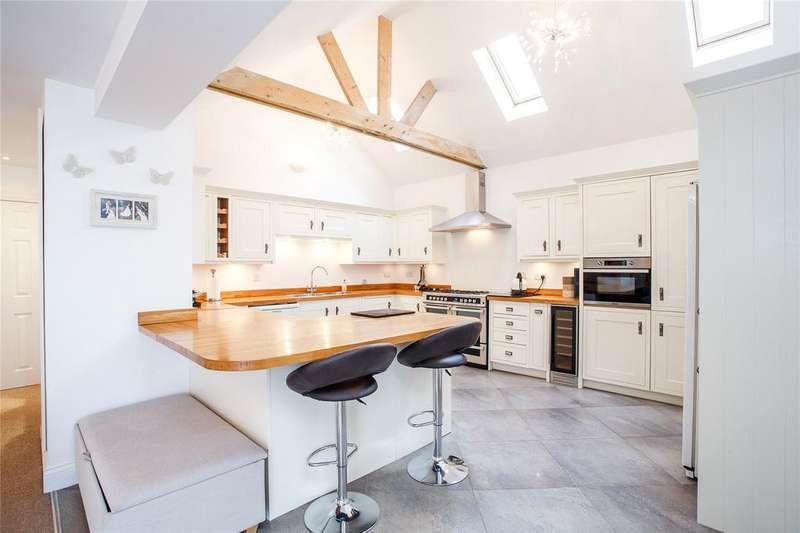 4 Bedrooms Detached House for sale in Beehive Lane, Binfield, Bracknell, Berkshire