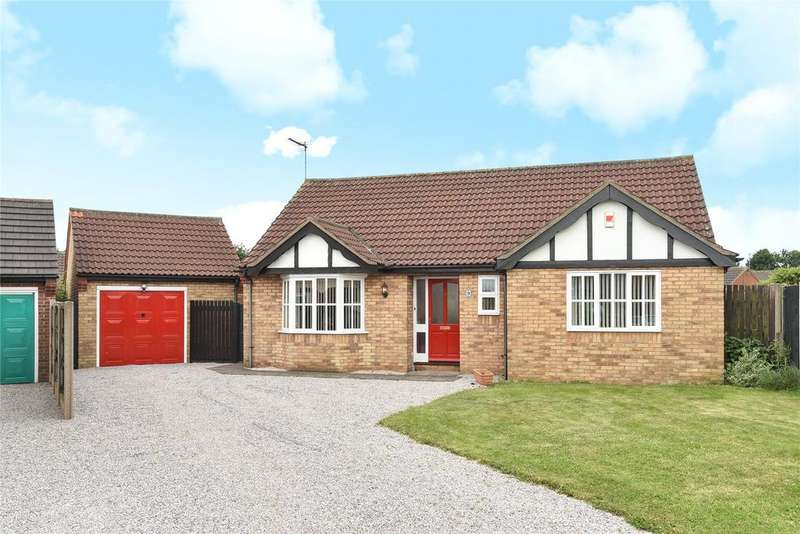 3 Bedrooms Detached Bungalow for sale in Millbeck Drive, Lincoln, LN2