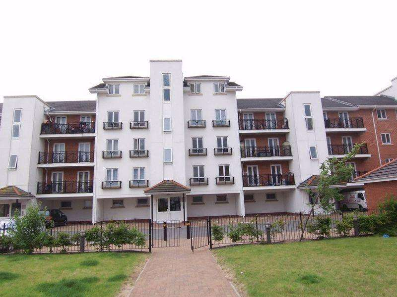 2 Bedrooms Apartment Flat for sale in Hermitage Close, Abbey Wood