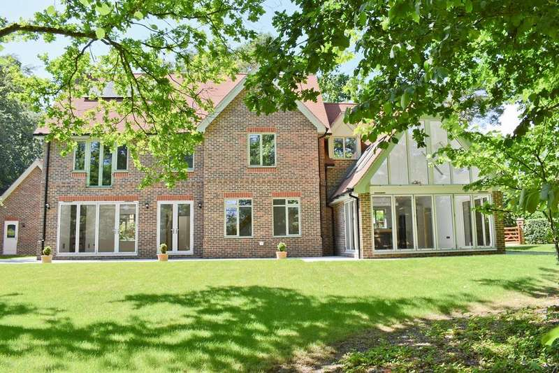 5 Bedrooms Detached House for sale in Woodbury, Brockenhurst, SO42