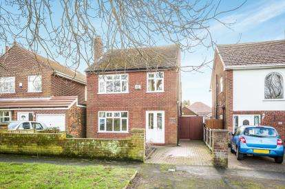 4 Bedrooms Detached House for sale in Tennyson Road, Widnes, Cheshire, WA8